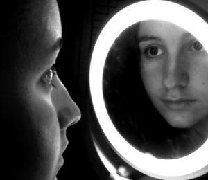 무반전 거울